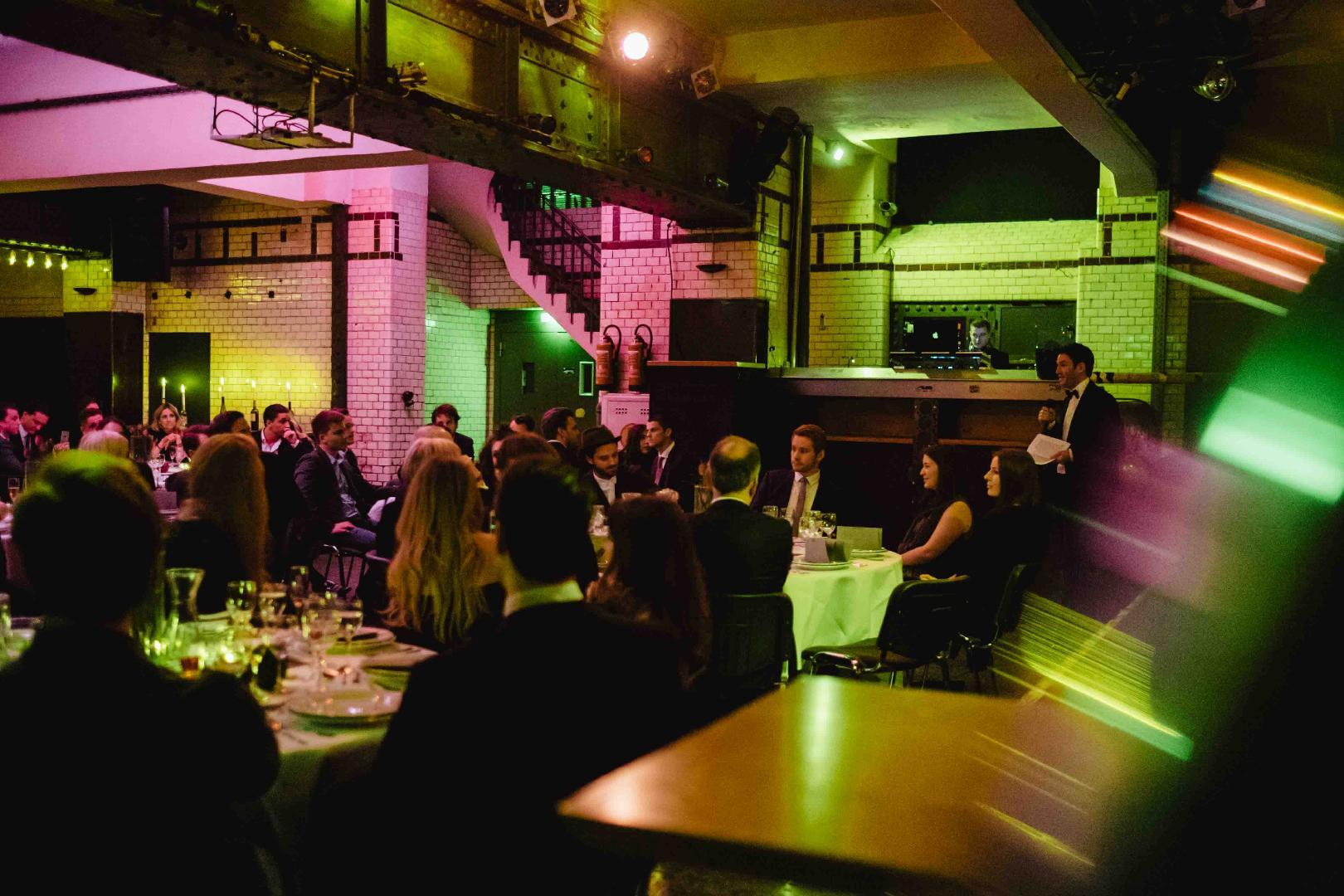 hpz stiftung feiern im weltkunstzimmer club loft lounge industriehalle galerie. Black Bedroom Furniture Sets. Home Design Ideas