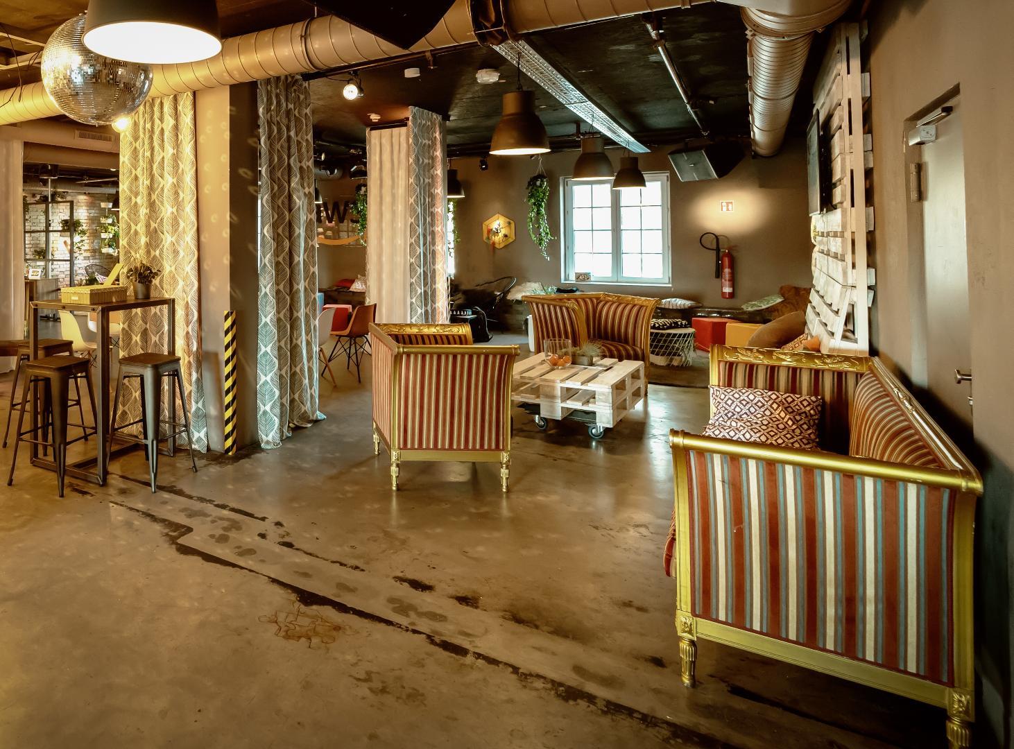 Bild 6 von Lounge