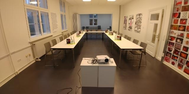 Picture 2 of Seminarraum
