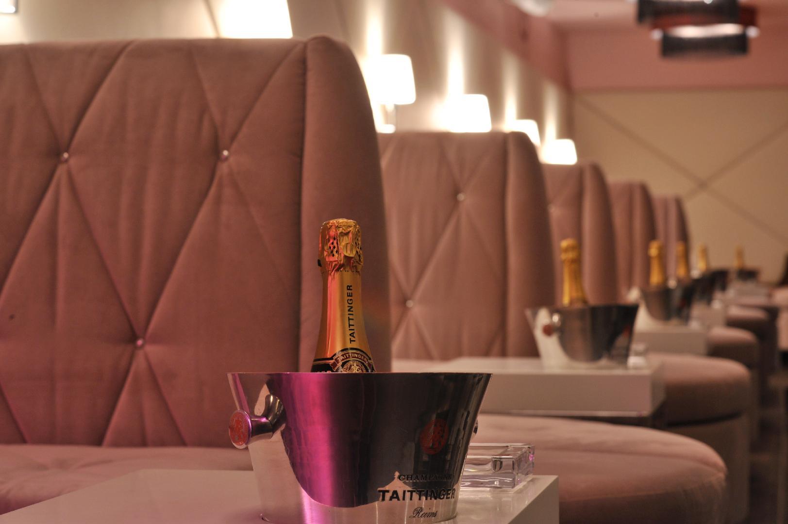 Picture 1 of Flamingo Royal Boutique Club