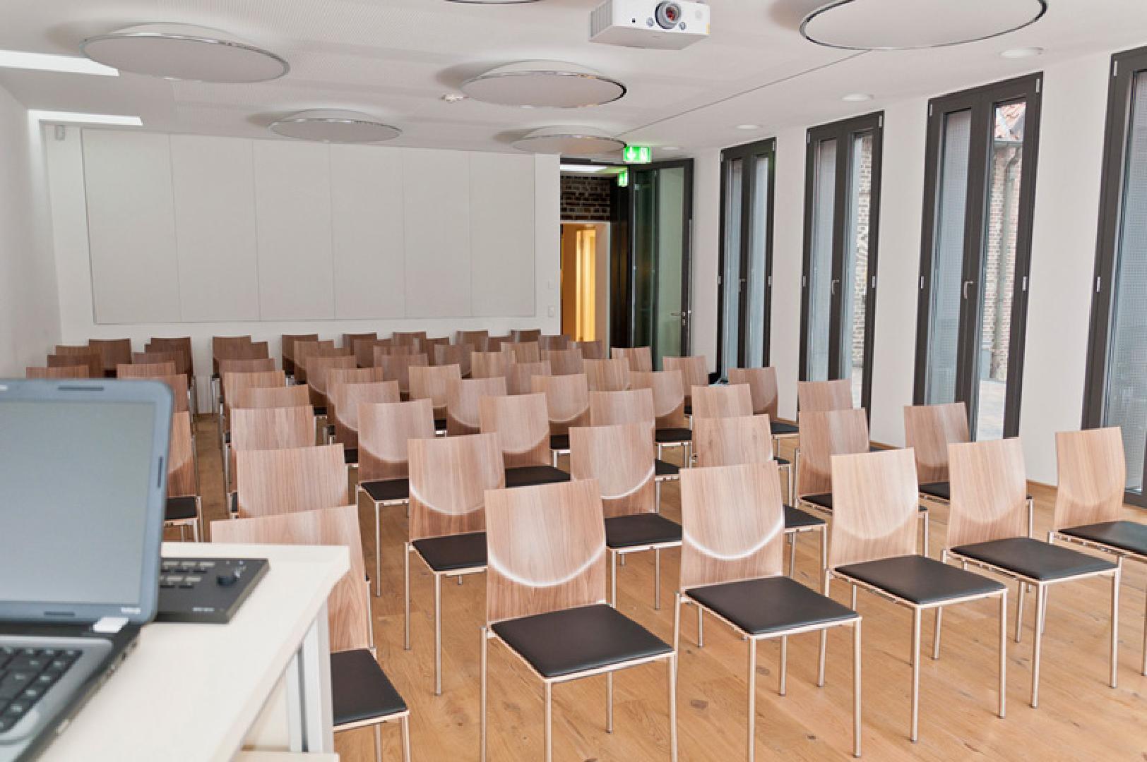 Bild 2 von UNIversaal - Multifunktionshalle in Bochum