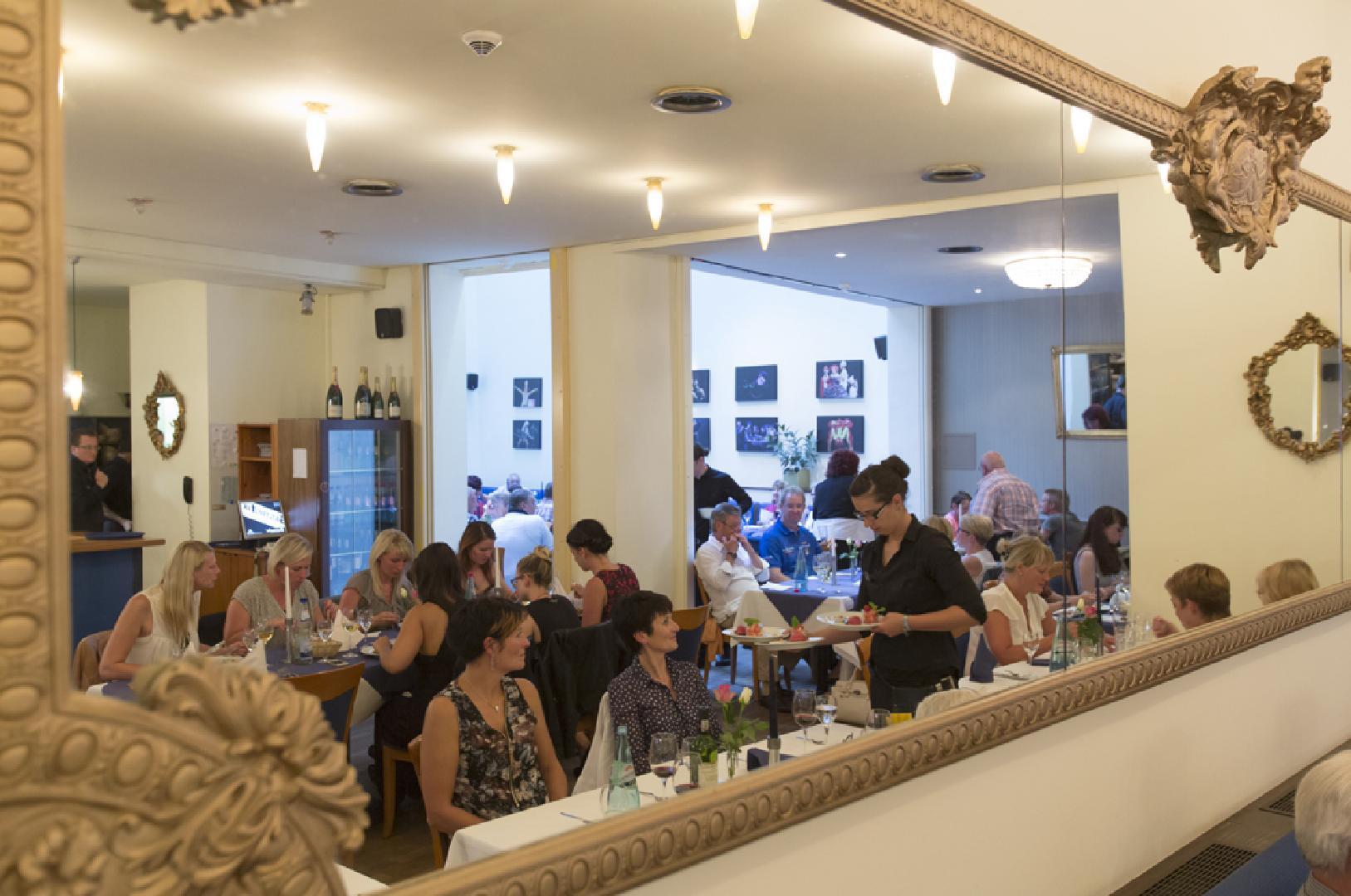 Restaurant (Foto: Tom Schulze)