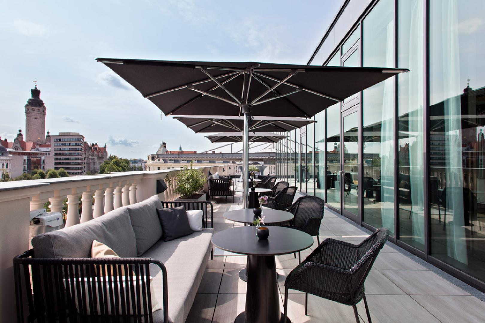 Picture 3 of Skylounge