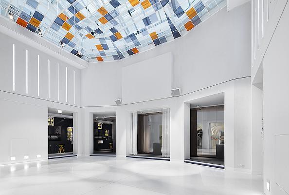 SAAL der Labstelle Wien mit original Jugendstil-Glasdach