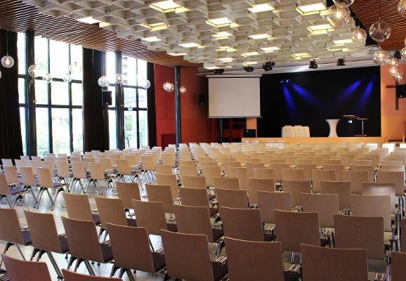 Festsaal für Konferenzen und Tagungen