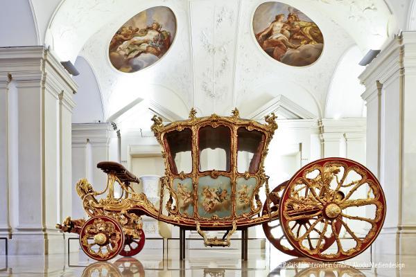 Der Goldene Wagen