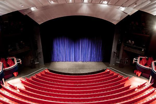 Bild 3 von Renommierter Theatersaal