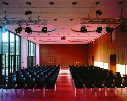 Bild 3 von Glasfoyer & Schillersaal