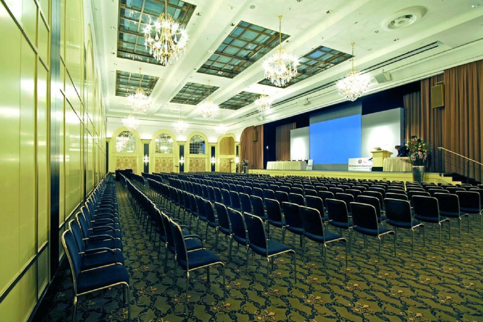 Bild 1 von Saal Berlin (Sektion B mit Bühne)