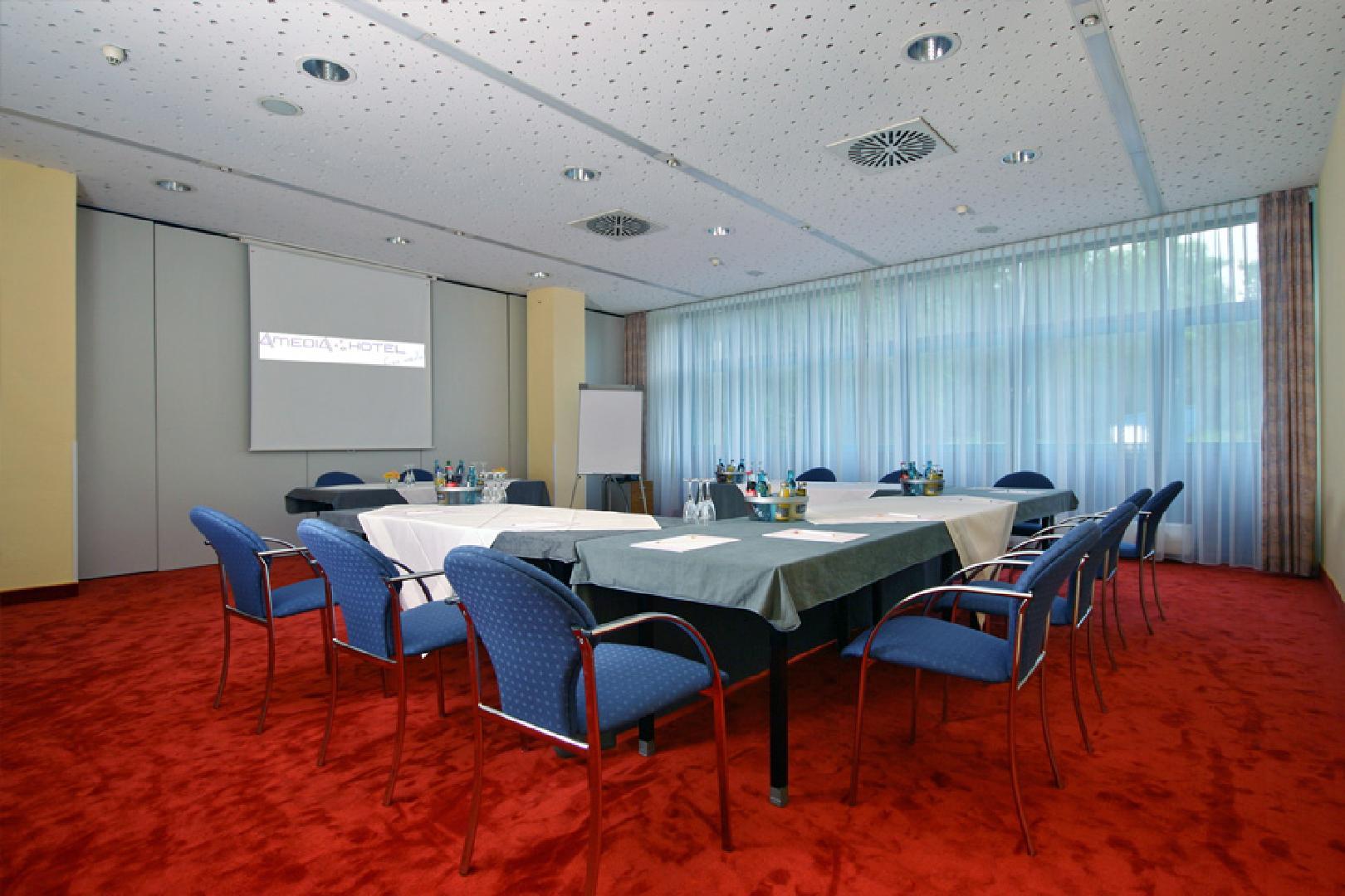 Amedia Hotel Zwickau Hotel In Zwickau Restaurant Meeting Room