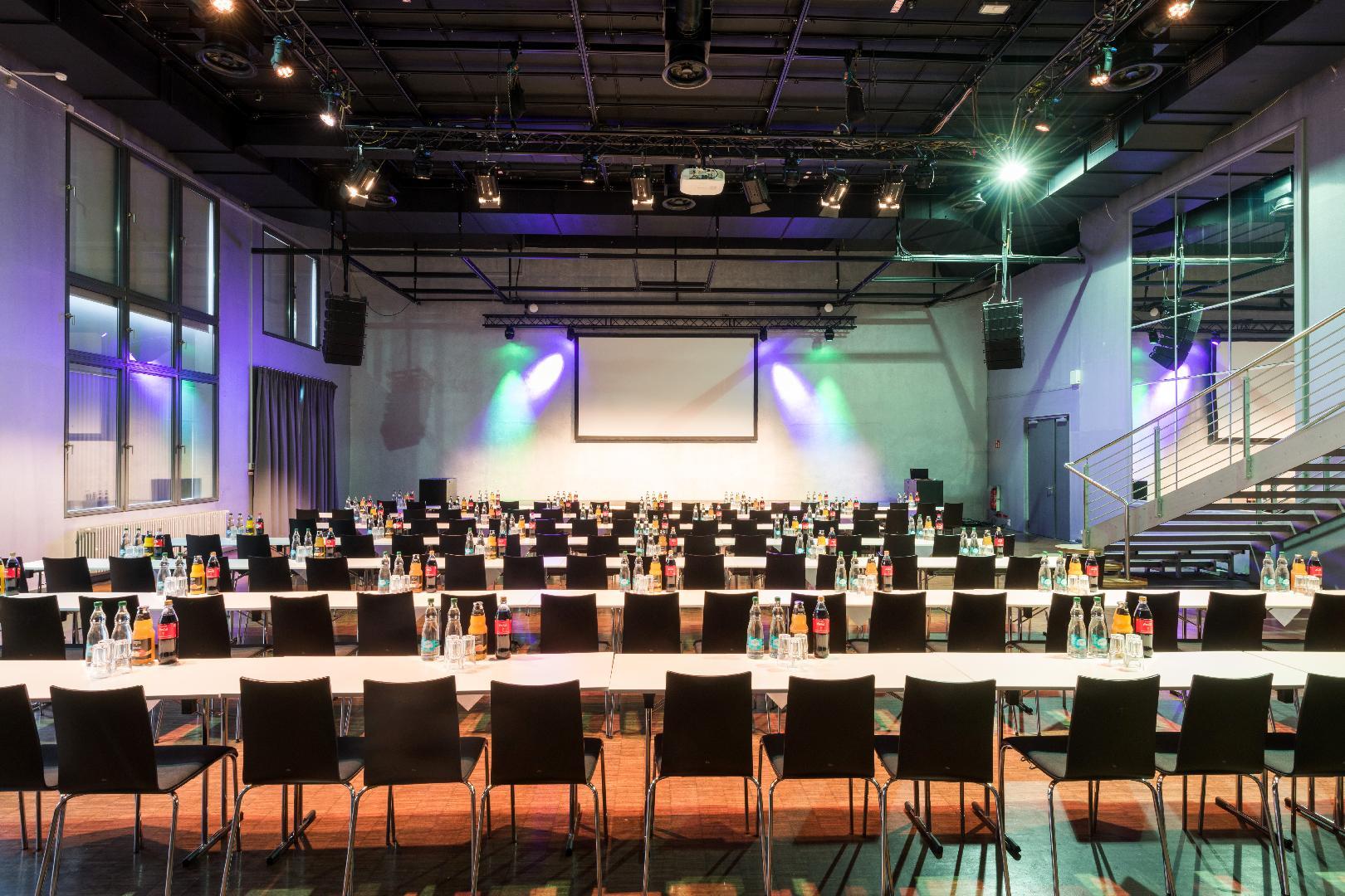 Palais Parlamentarische Bestuhlung für 120 Personen