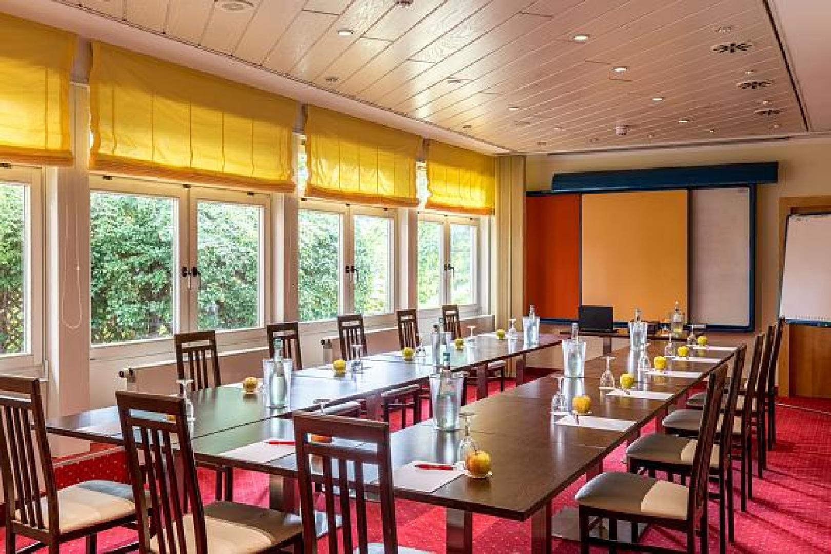Bild 2 von 3 Tagungsräume in einem... im Azimut Dresden