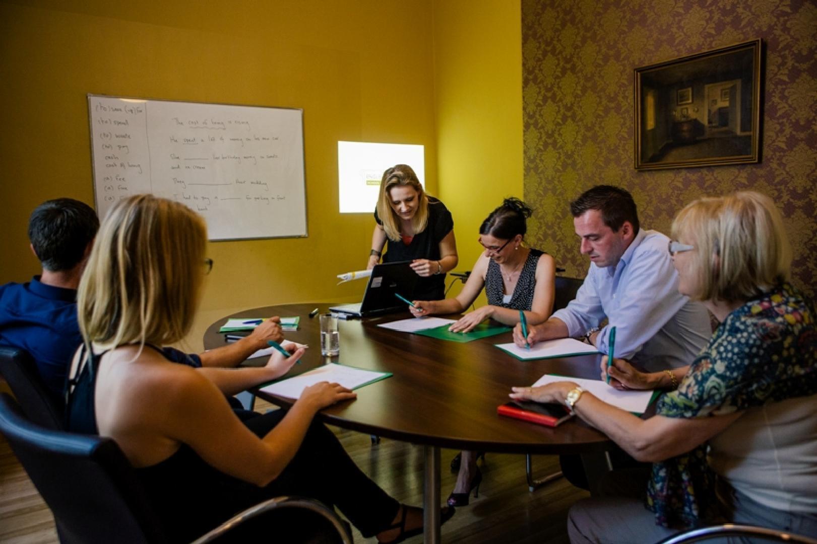 3 Seminarräume für 8-10 Personen