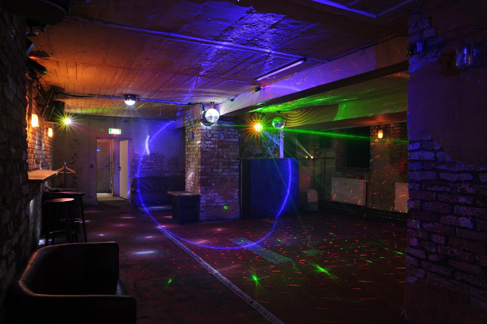 Bild 2 von Partykeller