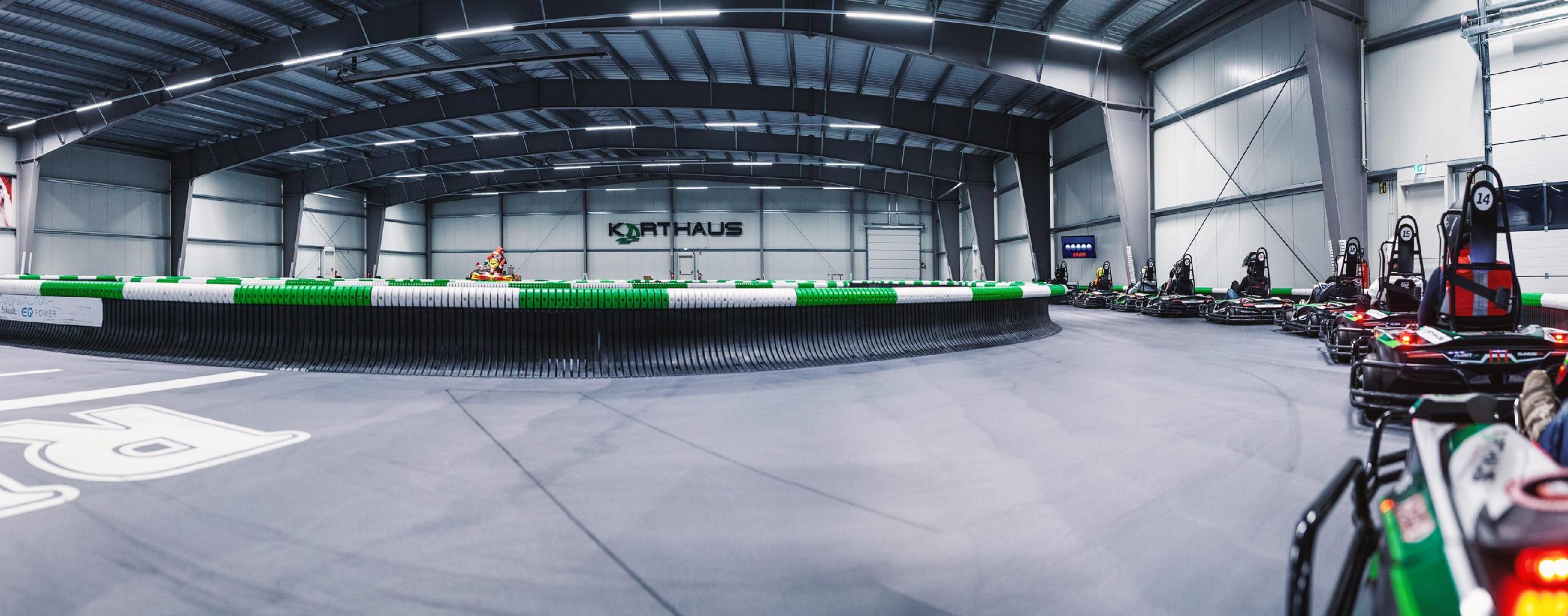 Bild 2 von Raceway fast speed im Karthaus  Zweibrücken !