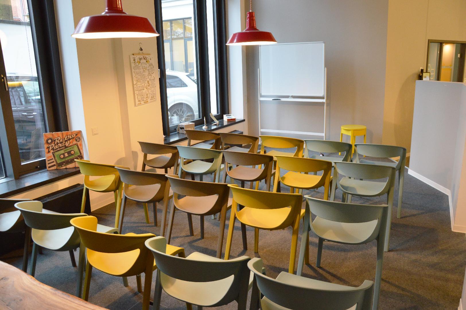 Picture 1 of BEEHIVE Hamburg Neustadt Coworking Space