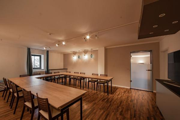 Palais Studios U-Form Bestuhlung für ca. 16 Personen
