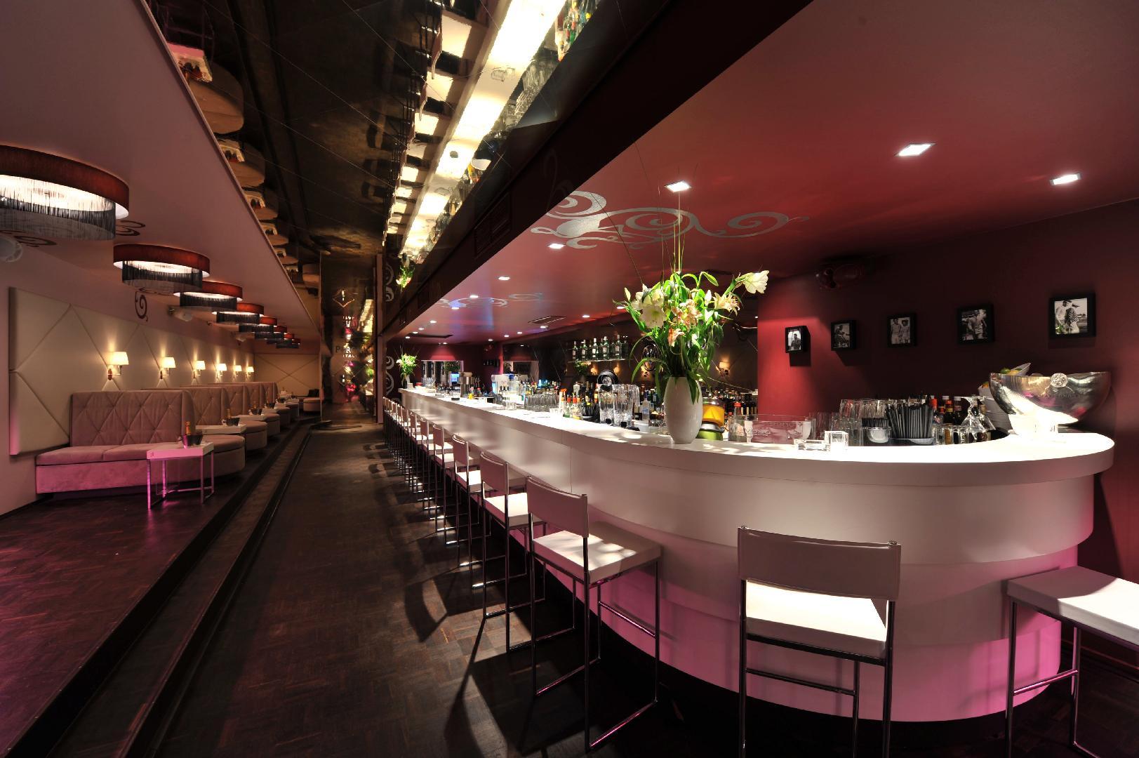 Picture 2 of Flamingo Royal Boutique Club
