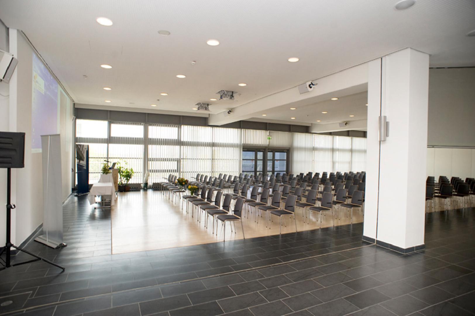 Bild 3 von UNIversaal - Multifunktionshalle in Bochum