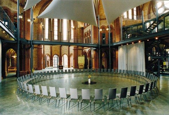 Heilig-Kreuz-Kirche-Großraum