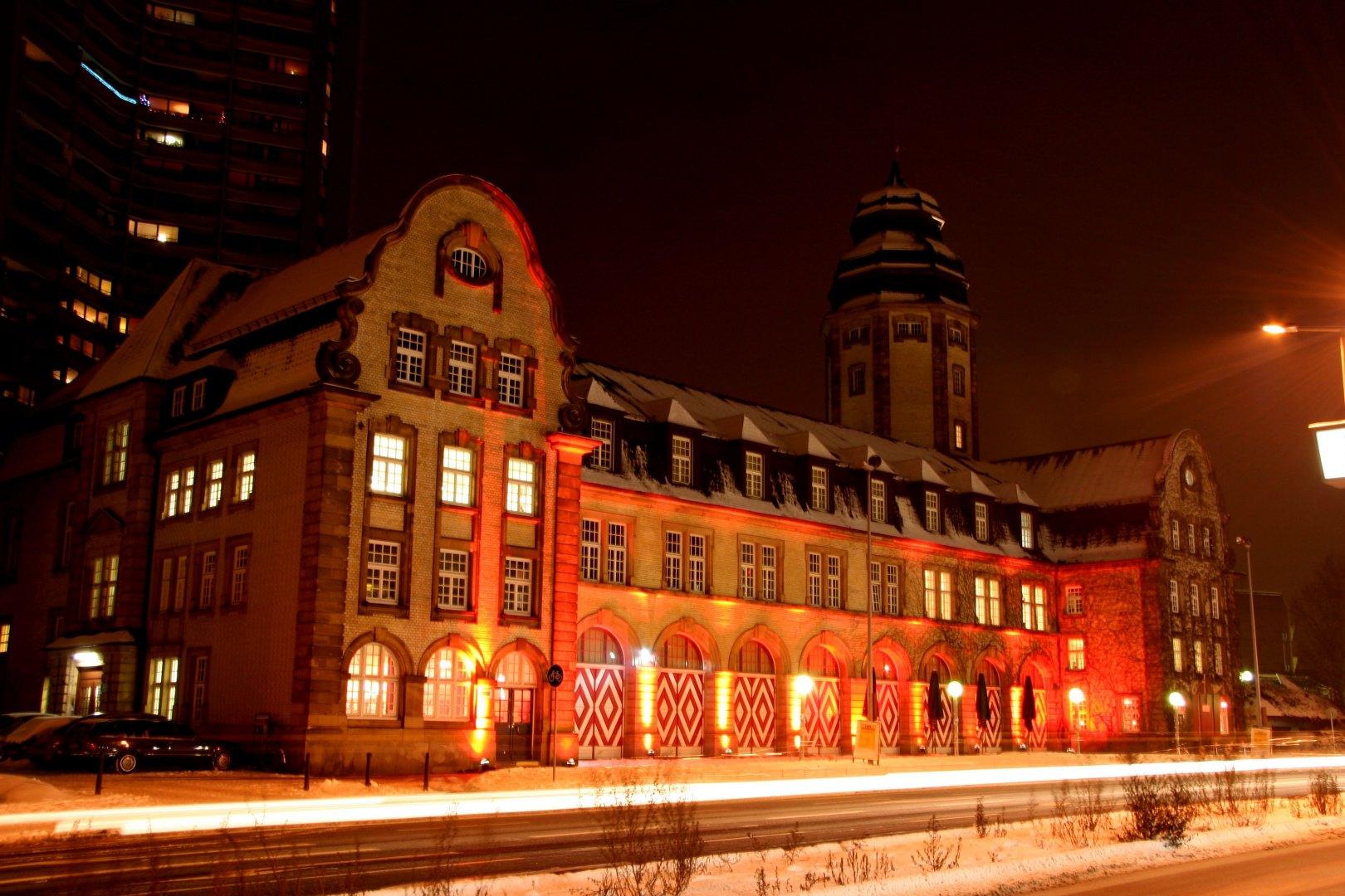 Bild 2 von Große Halle