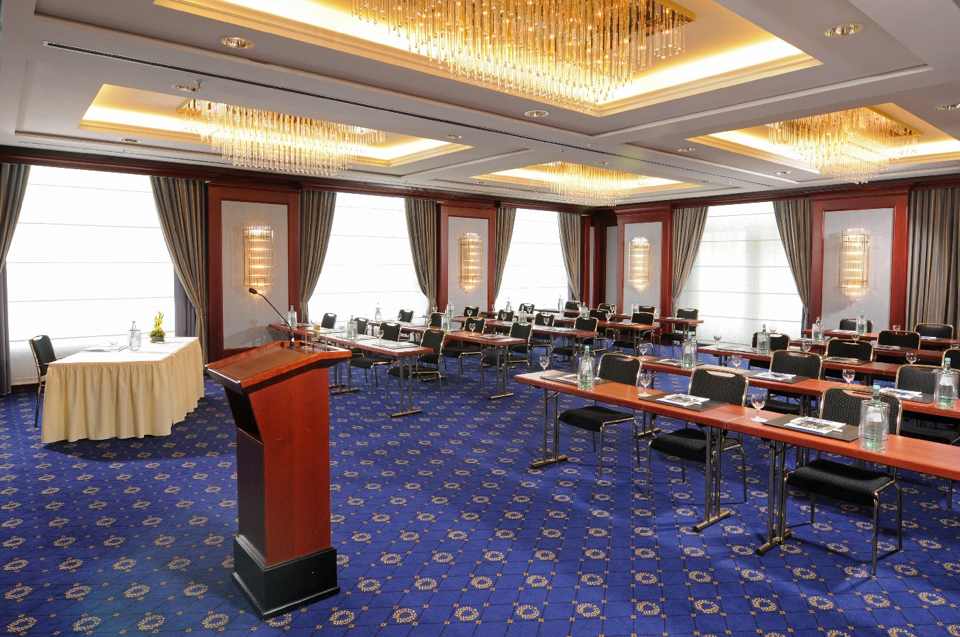 Salon Moskau; parlamentarisch ; Tagung